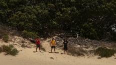 Mark, Simone e Chief in sandboard (foto: Anna Luciani)