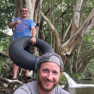 pronti per il rafting. Andrew e Simone (foto: Anna Luciani)