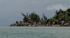 Le spiagge a nord di Magnetic Island. Le rocce, enormi e rotonde, ammassate con incastri dall'equilibrio improbabile sono l'elemento caratterizzante dell'isola. (foto: Anna Luciani)