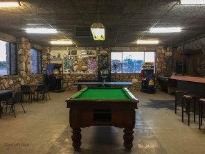 il bar del Mintabie Hotel (foto: Anna Luciani)