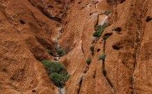 alcuni rivoli di acqua, piccole cascate dovute alla forti piogge (foto: Anna Luciani)