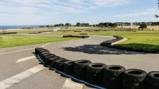 Il circuito dei go-kart è una fedele riproduzione in scala del circuito vero. Qui anche i piloti non professionisti possono mettersi alla prova! (foto: Anna Luciani)