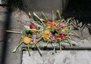 canang sari, offerte al dio Sang Hyang Widhi (foto: Anna Luciani)