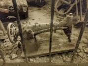 Napoli sotterranea, alcuni oggetti risalenti alla seconda guerra, quando la popolazione ha utilizzato il vecchio acquedotto romano per nascondersi e sopravvivere ai bombardamenti (foto: Anna Luciani)