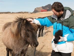 Simone e il cavallo islandese (foto: Anna Luciani)