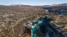 cascate Hraunfossar (foto da drone: Simone Chiesa)