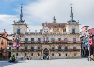 Plaza Mayor, il Municipio (foto: Anna Luciani)