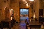 Hotel Sextantio grotte della Civita, interno dell'antica Chiesa, oggi zona comune (foto: Anna Luciani)